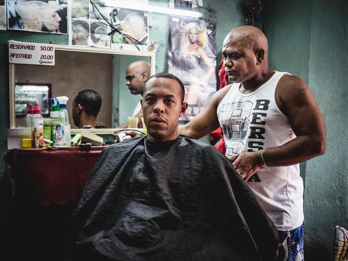 Beim-Frisör---Havanna