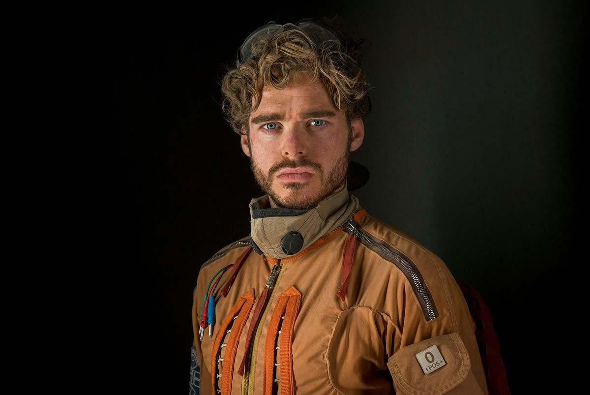 chris-raphael-sony-alpha-7RII-actor-dressed-as-pilot-poses-for-the-camera